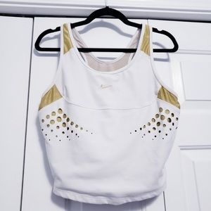 Nike crop top w/ built in bra